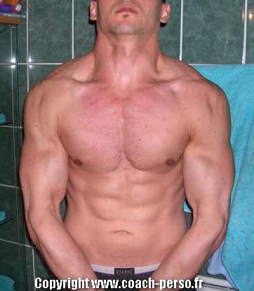 Avant-après en musculation de Romain